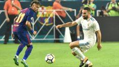 Neymar y Carvajal, en un partido entre Barça y Madrid. (AFP)