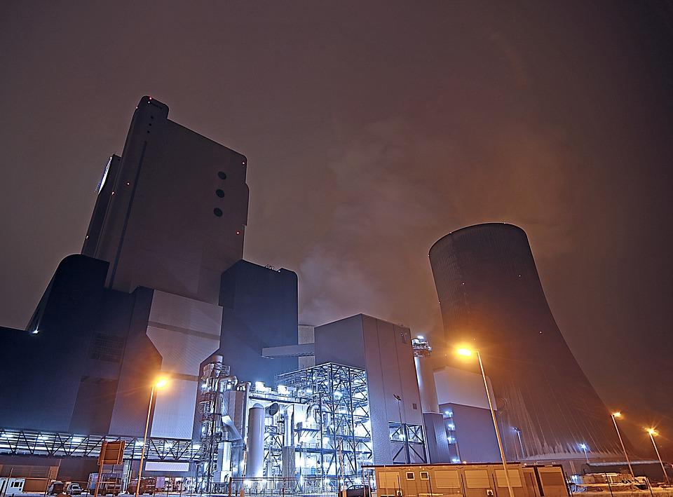 Cae la demanda de energía eléctrica en abril.