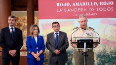 El comisario de la exposición y teniente coronel, Antonio Manzano La Hoz, durante la inauguración de la exposición sobre la bandera de España en el Museo del Ejército de Toledo. Foto: Europa Press
