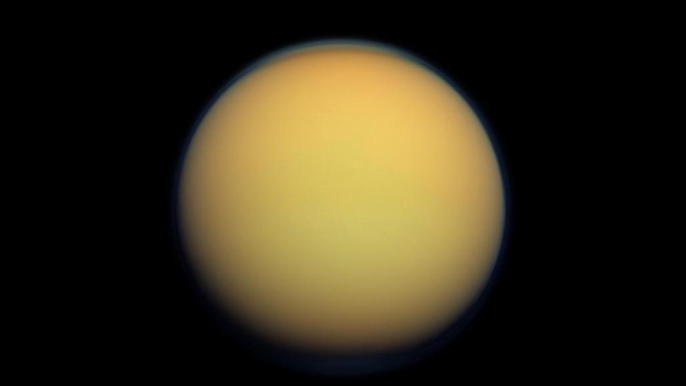 Nuevo estudio sobre la bruma que envuelve a Titán