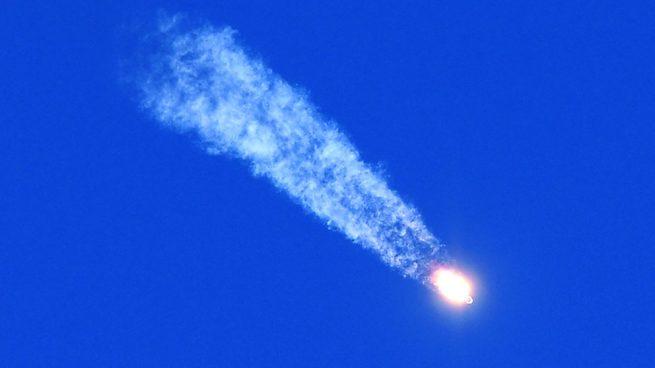 La nave Soyuz aterrizó tras fallar el cohete: Astronautas están vivos