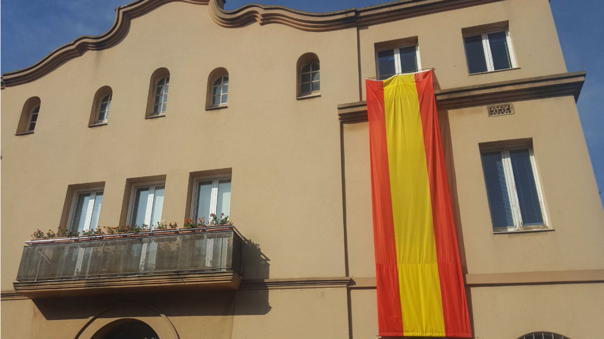 Bandera de España en Vilanova del Camí (RRSS).