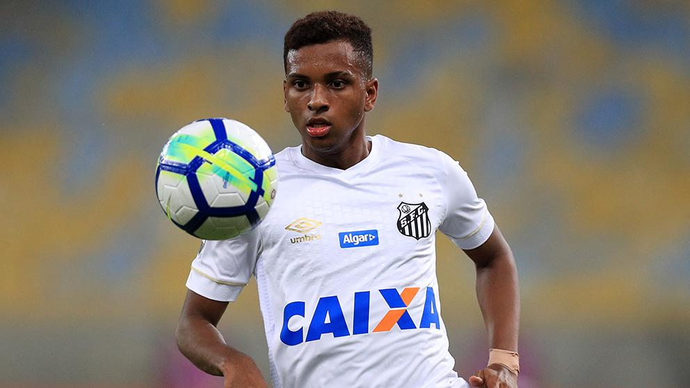 Rodrygo, durante un encuentro con el Santos esta temporada. (Getty)