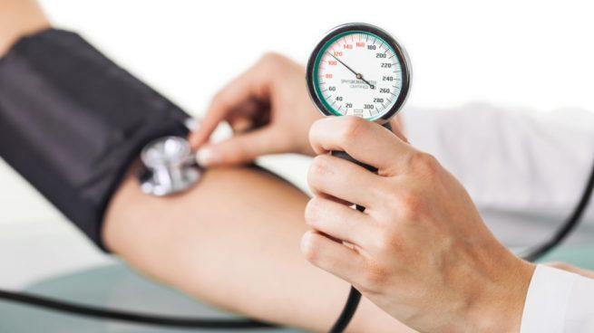 ¿Cuál es una buena lectura de la presión arterial por edad?