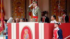 El rey Felipe VI preside el desfile de las Fuerzas Armadas de España. Foto: EFE