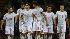 Los jugadores de la selección, ante Gales (AFP)