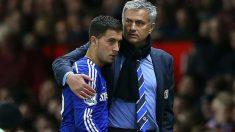 Hazard y Mourinho, en el Chelsea (AFP)