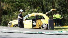 El coche siniestrado en el accidente de tráfico de Valdoviño (Foto: EFE).