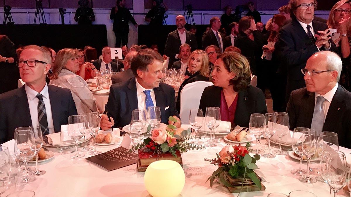 El ministro de Cultura, José Guirao, el presidente de Plantea, Josep Crehueras, Ada Colau y José Montilla. Foto: Europapress