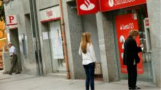 Oficinas de Banco Santander y Banco Popular en Madrid.