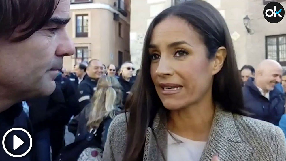 Begoña Villacís ha asistido a la concentración para apoyar las exigencias del cuerpo municipal.