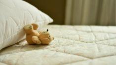 Niño de 3 años muere tras sufrir un traumatismo por saltar en la cama