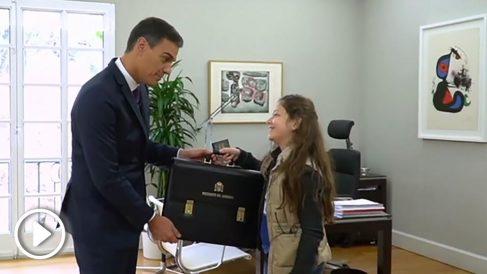 La verdadera conversación de Sánchez y la niña según Okjeda.