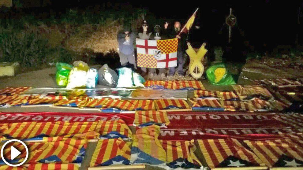 Grupos españolistas retiran más de 50 'esteladas' en una sola noche
