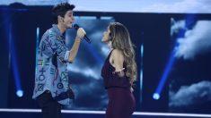 Dave y Julia durante su actuación en la Gala 4 de 'OT 2018'.