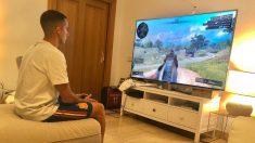 Lucas Vázquez, jugando al nuevo Call of Duty. (@lucasvazquez91)