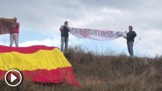 Manifestantes protestan contra la visita de Iglesias a Junqueras en Lledoners
