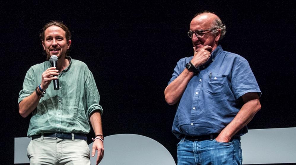 Pablo Iglesias, líder de Podemos, y Jaume Roures, a la derecha. (Foto: Podemos)