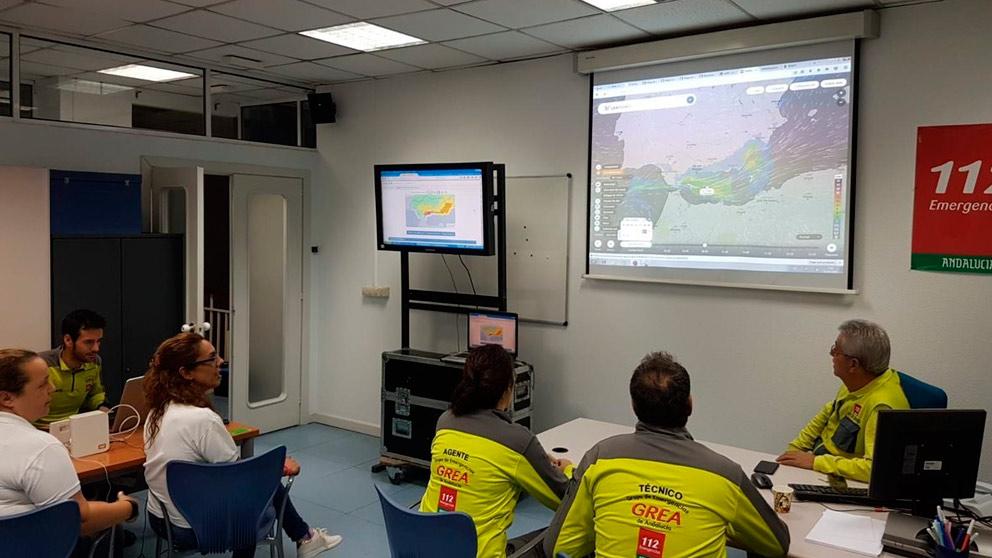 Los servicios de emergencia de Andalucía siguen de cerca el avance del temporal. Foto: Europa Press