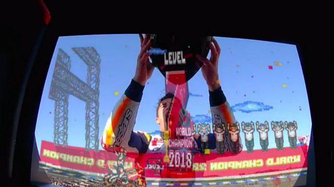 La original celebración de Márquez: ¡Nivel 7, superado!