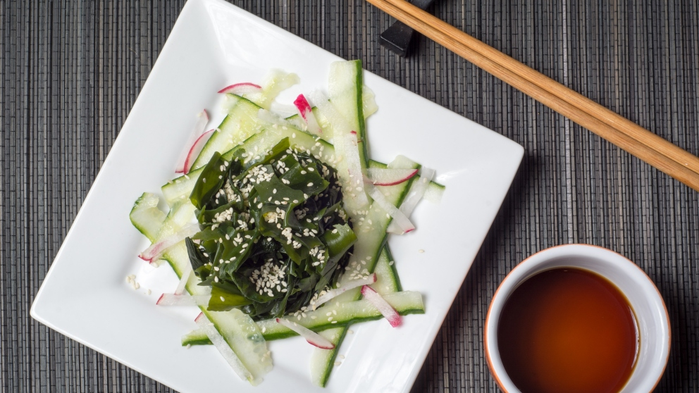 Receta de ensalada de pepino y wakame