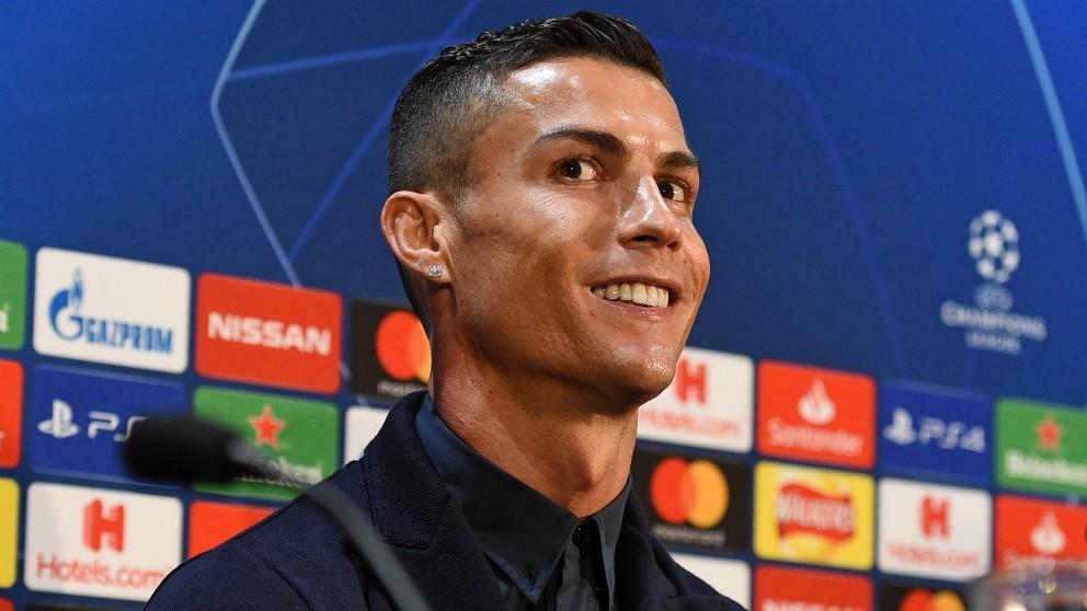 Cristiano Ronaldo, en rueda de prensa. (AFP)
