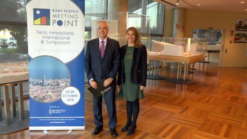 El  Delegado del Estado en el Consorci de la Zona Franca de Barcelona (CZFB) y Presidente de Barcelona Meeting Point (BMP), Pere Navarro, y la Directora General del CZFB y del BMP, Blanca Sorigu (Foto: Barcelona Meeting Point)