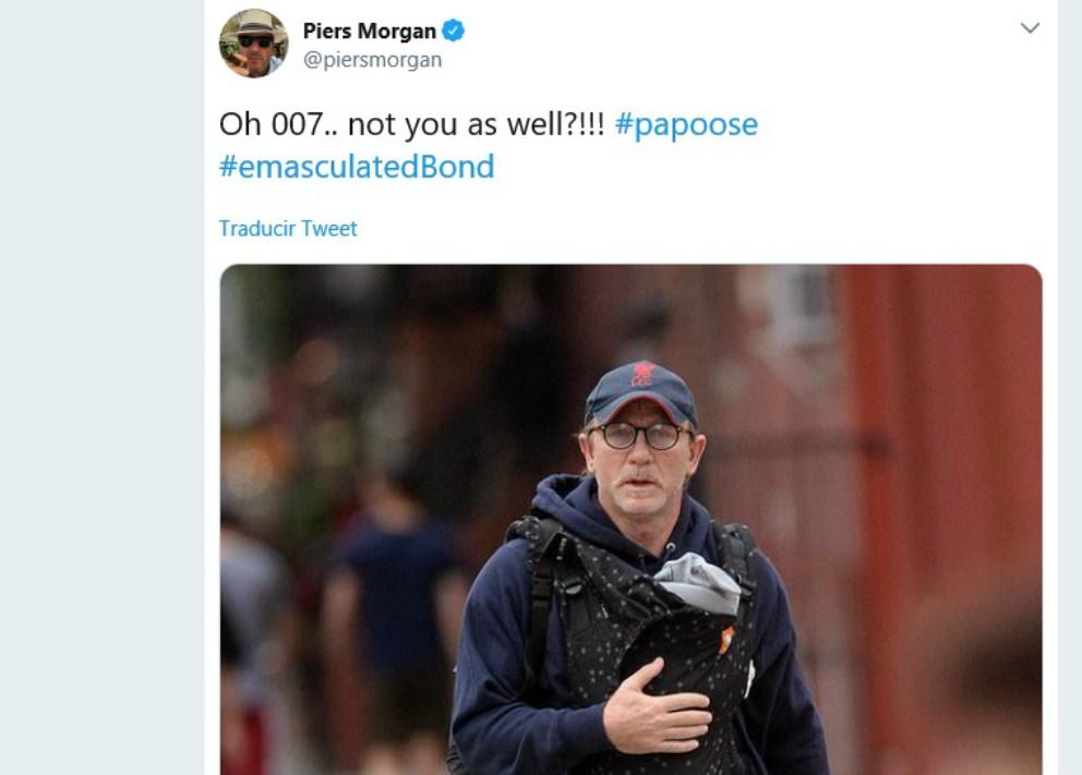 Daniel Craig, objeto de burlas por llevar a su hija en un portabebés