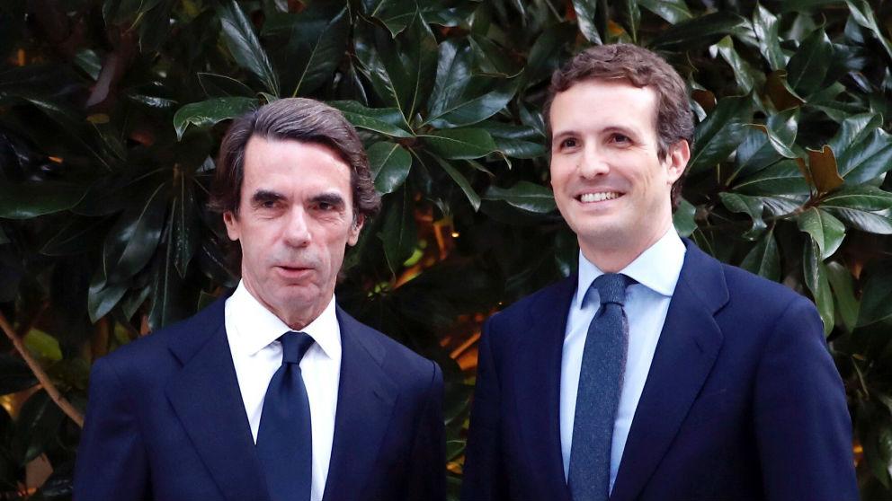 Jose María Aznar y Pablo Casado (Foto: EFE)