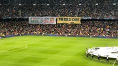 Pancarta independentista en el Camp Nou. (Twitter)