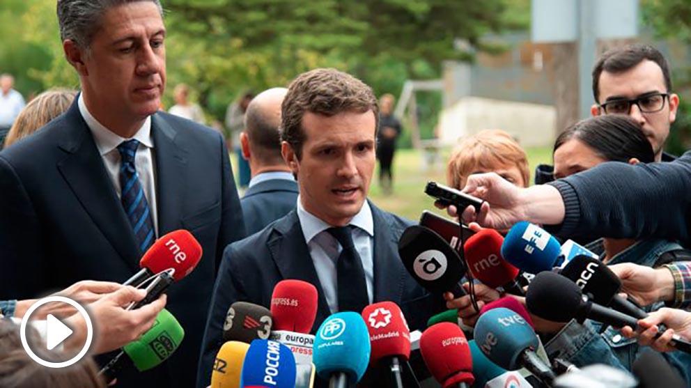 Pablo Casado, líder del Partido Popular, ante los medios acompañado por Xavier García-Albiol. Foto: Europa Press
