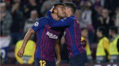 Rafinha y Coutinho celebran un gol.