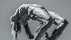 Estatua del marqués de Sade.