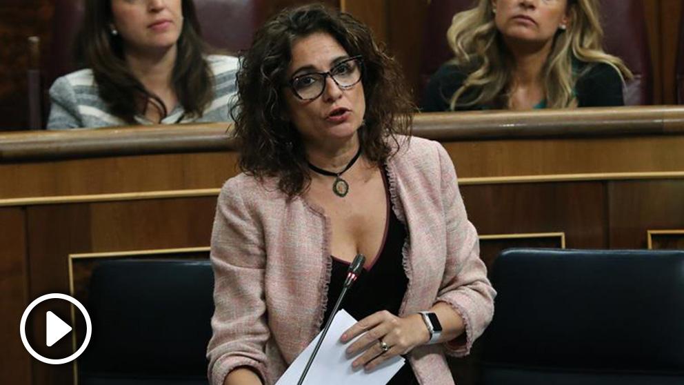La ministra de Hacienda, María Jesús Montero, en durante la sesión de control al Gobierno en el Congreso