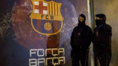 Policías en el Camp Nou. (Imagen de archivo) (Getty)
