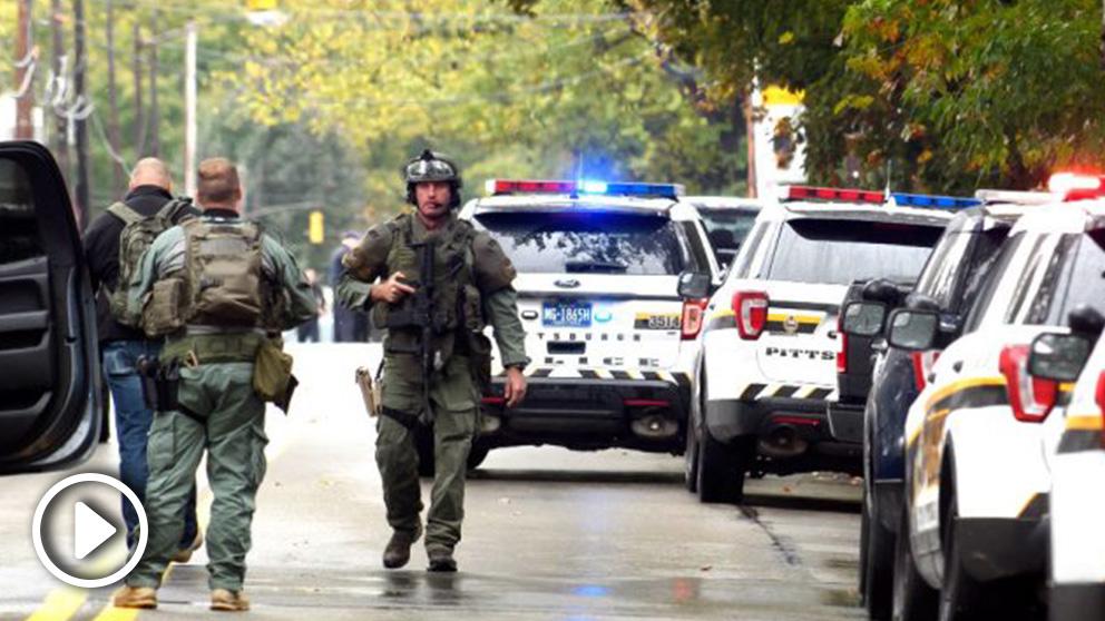 Policías en las proximidades de la sinagoga (Foto: AFP).