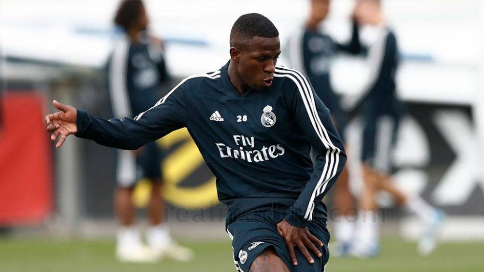 Vinicius, en un entrenamiento con el primer equipo del Real Madrid.