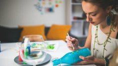 Aprende cómo pintar botellas de vidrio