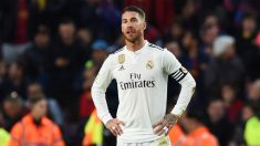 Sergio Ramos se lamenta en el Camp Nou ante el Barcelona. (Getty)