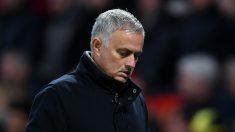 José Mourinho, en uno de sus últimos partidos al frente del United. (Getty)