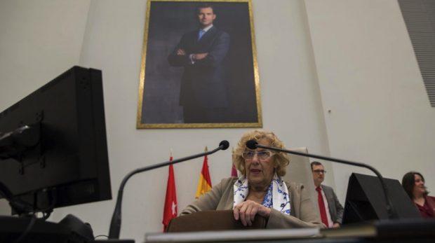 Cisma en Ahora Madrid: Carmena pasa de IU y Podemos y no reprobará al Rey como ha anunciado Garzón