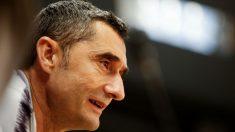 Valverde atiende a los medios de comunicación. (EFE)