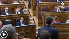El líder de Ciudadanos, Albert RIvera, y el presidente del Gobierno, Pedro Sánchez, durante la sesión de control al Gobierno de este miércoles.