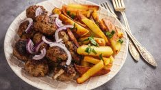 Receta de albóndigas al horno con patatas