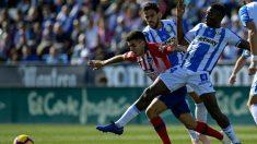 Correa pelea un balón durante el Leganés – Atlético. (AFP)