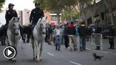Imagen de archivo de la Policía en las inmediaciones del Estadio de Vallecas. (Getty)