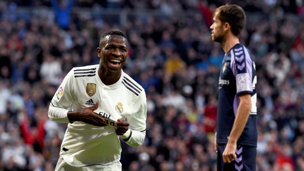 Vinicius celebra su gol frente al Real Valladolid. (EFE)