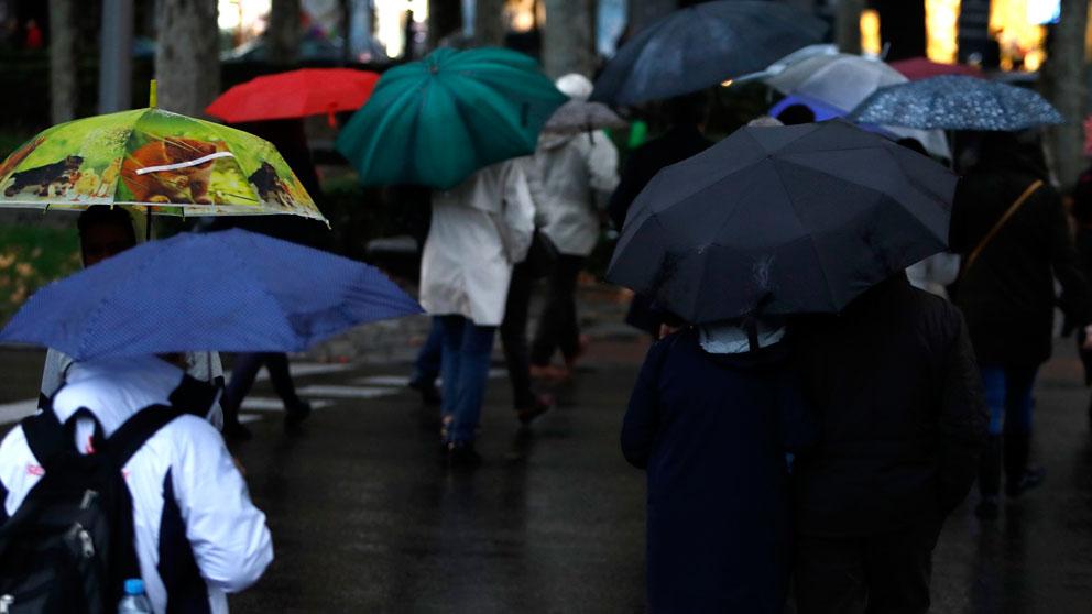 Las lluvias vuelven a España haciendo sacar los paraguas. Foto: Europa Press
