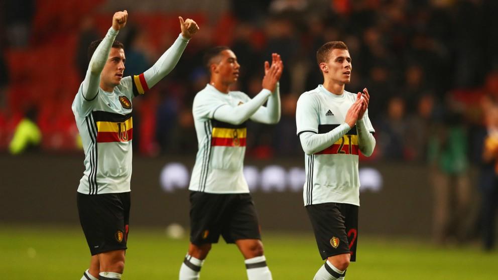 Eden y Thorgan Hazard, en un partido con Bélgica. (Getty)