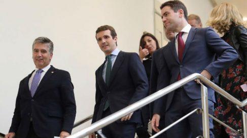 Casado con Cosidó y García Egea (EFE).